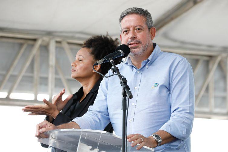 O presidente da Câmara dos Deputados, Arthur Lira, durante a cerimônia de entrega de 500 Unidades Habitacionais do Residencial Oiticica I.
