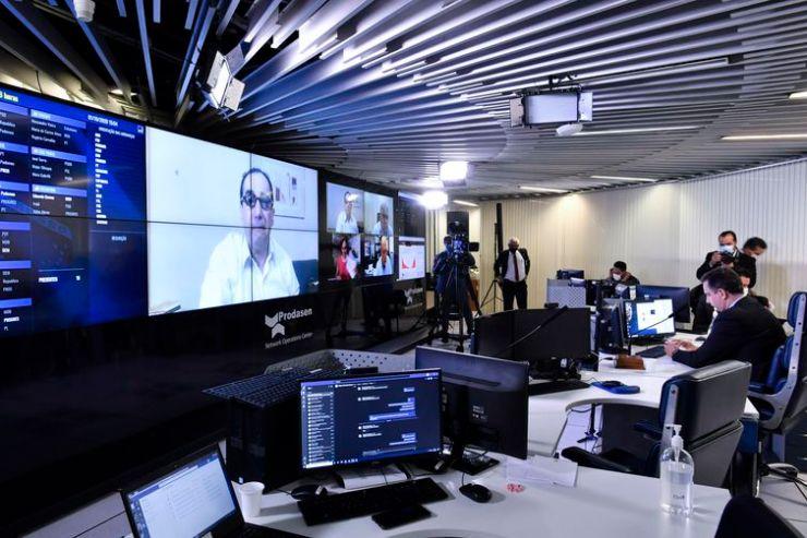 Senado Federal realizada a partir da sala de controle da Secretaria de Tecnologia da Informação (Prodasen)
