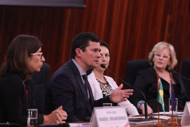O ministro da Justiça e Segurança Pública, Sergio Moro, durante cerimônia de abertura do Seminário Internacional Fake News e Eleições, no TSE.