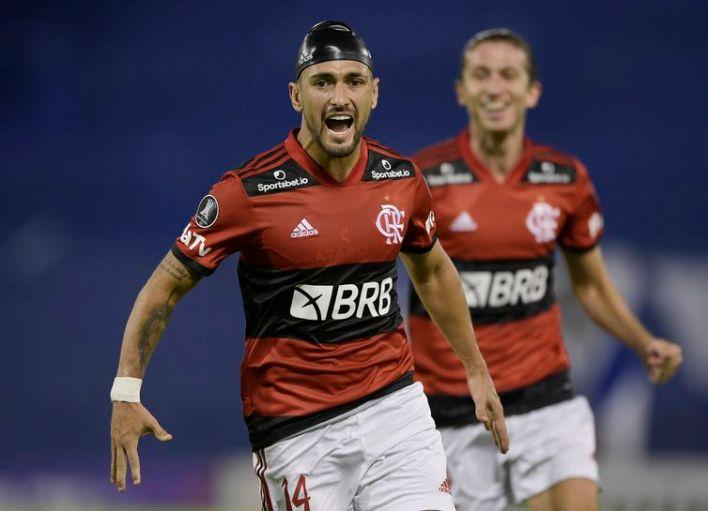 Arrascaeta fez o gol da virada rubro-negra em Buenos Aires.