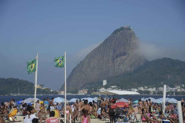 Praia do Flamengo na zona sul do Rio de Janeiro
