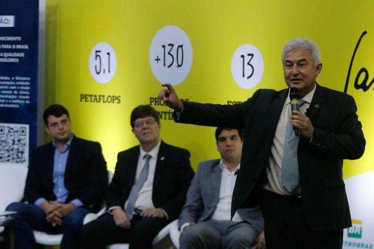 O ministro da Ciência, Tecnologia, Inovações e Comunicações, Marcos Pontes, fala durante cerimônia de inauguração da expansão do supercomputador Santos Dumont, no Laboratório Nacional de Computação Científica (LNCC), em Petrópolis
