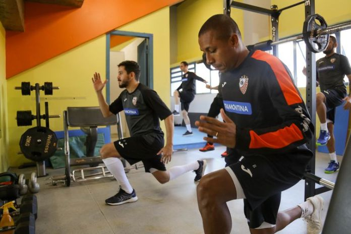 Treino academia, time futsal Carlos Barbosa (ACBF)