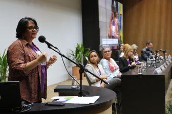 A ministra da Mulher, Família e Direitos Humanos, Damares Alves, participa do seminário Cruzada da Adoção - Adoção 9 meses: Família para todos, na Câmara dos Deputados.