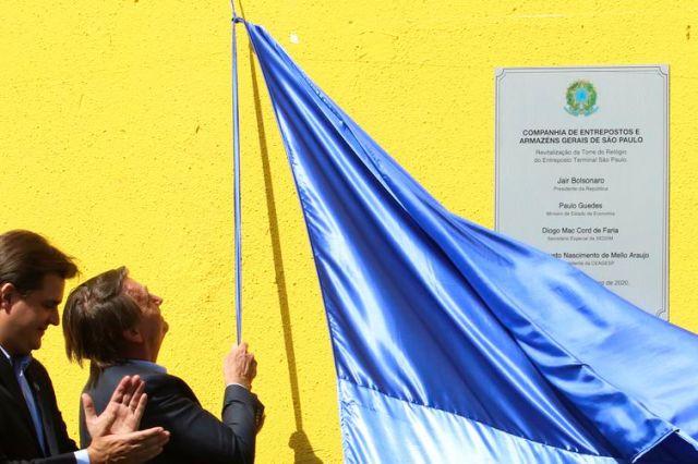 O presidente da República, Jair Messias Bolsonaro, durante visita a Companhia de Entrepostos e Armazéns Gerais de São Paulo (Ceagesp), para a reinauguração da Torre do Relógio.