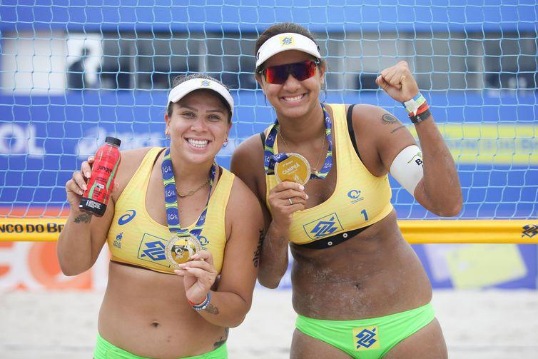 Ana Patricia e Rebecca partipam do desafio internacional de Vôlei de Praia, no domingo (31).