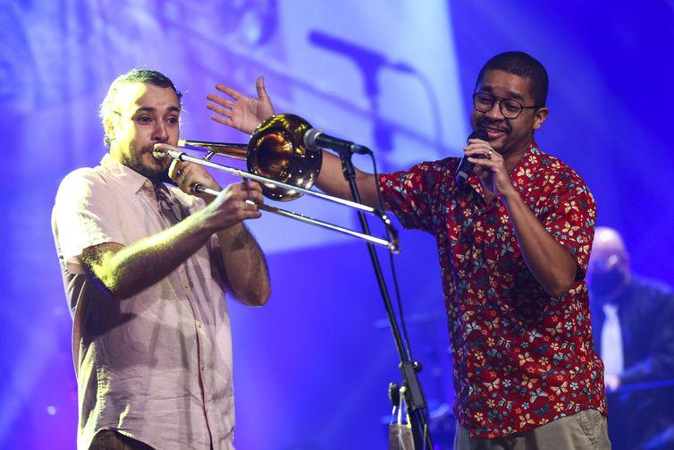 Daniel Rodrigues e Breno Alves, durante participação no Festival de Música Nacional FM.