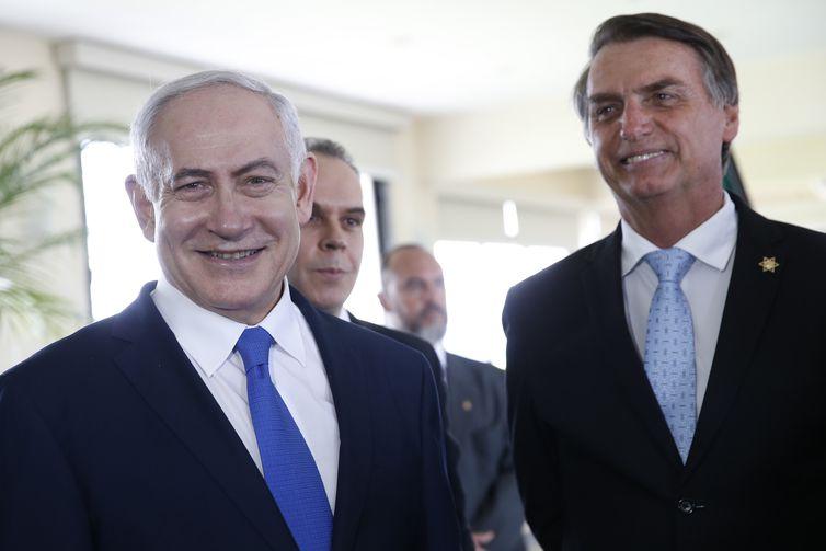 O presidente eleito Jair Bolsonaro recebe a visita do primeiro-ministro de Israel, Benjamin Netanyahu, em Copacabana.