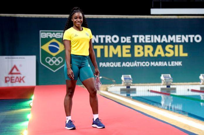 Rosângela Santos, atletismo, desfile de uniformes, Tóquio 2020, olimpíada, time brasil, apresentação