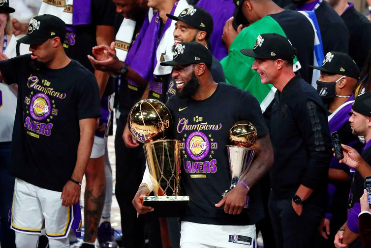 FILE PHOTO: NBA: Finals-Los Angeles Lakers at Miami Heat