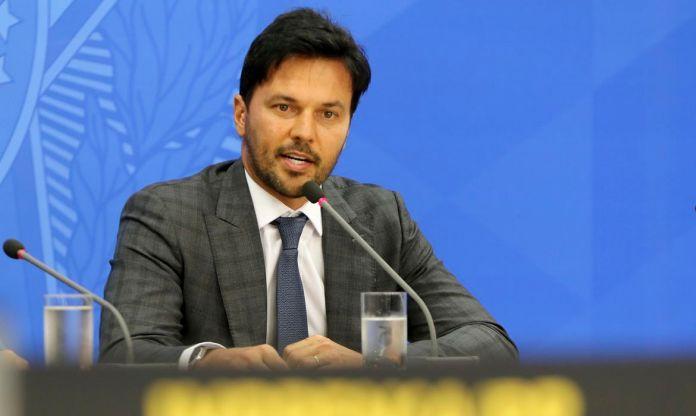 O ministro das Comunicações Fábio Faria,fala à imprensa no Palácio do Planalto