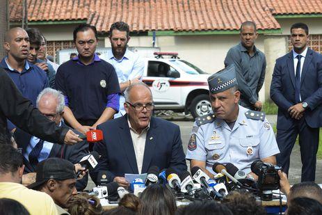 O secretário de Segurança Pública de São Paulo, João Camilo Pires de Campo, e o comandante da Polícia Militar, coronel Marcelo Salles, falam sobre o massacre na Escola Raul Brasil, em Suzano, São Paulo.