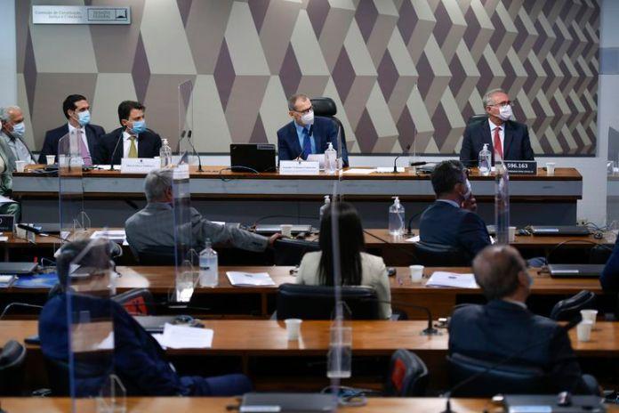 Senador Fabiano Contarato (Rede-ES), durante reunião da CPI da Pandemia do Senado