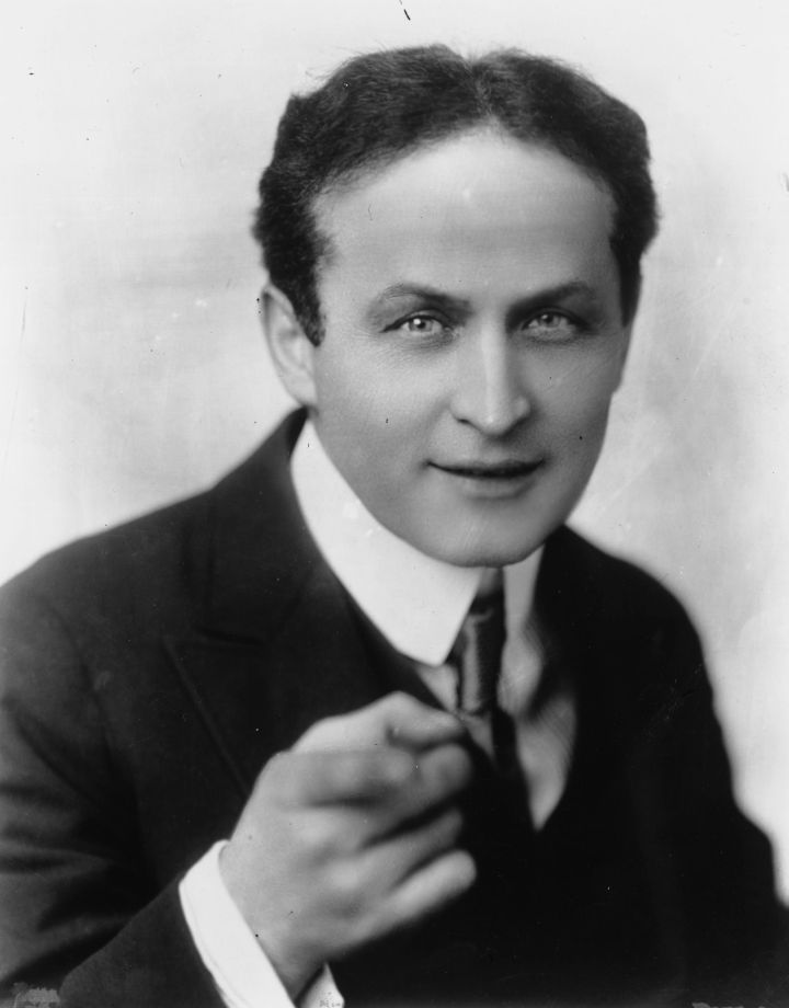 Harry Houdini empregou o talento de Lovecraft!