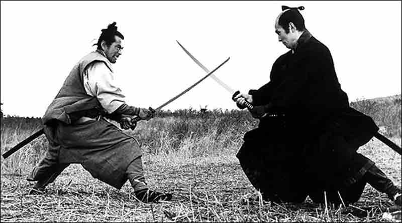 Precisa ter muita coragem para enfrentar Toshiro Mifune com uma cara dessas.