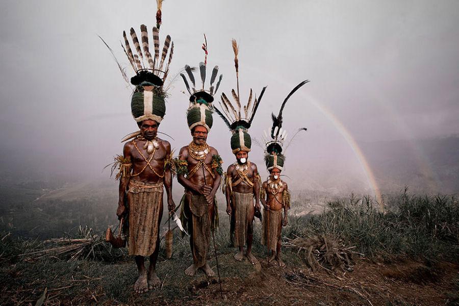 A vida de tribos que estão desaparecendo pelo mundo 09