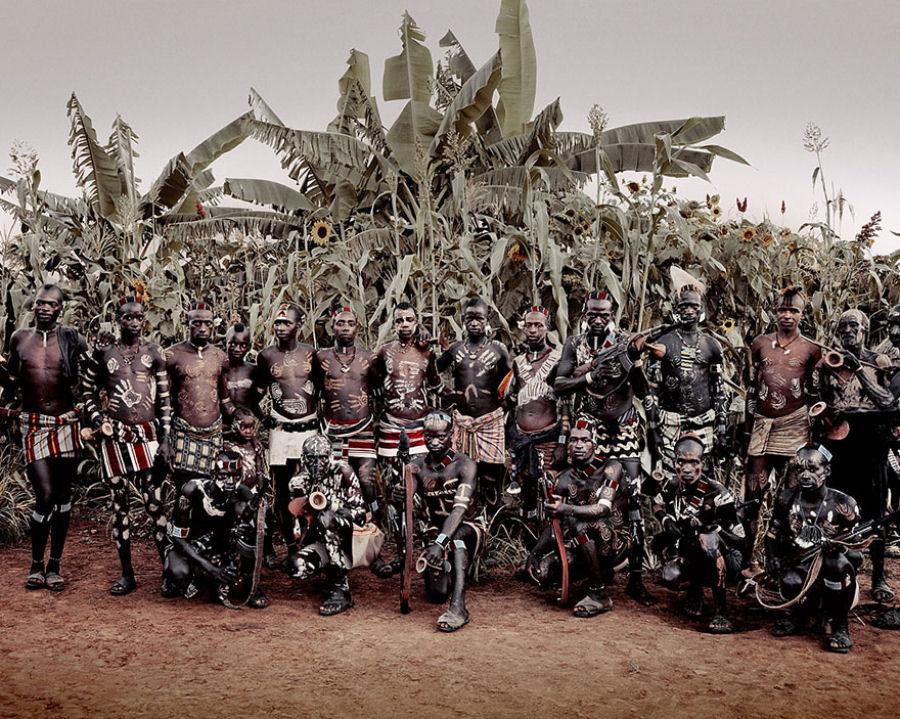 A vida de tribos que estão desaparecendo pelo mundo 39