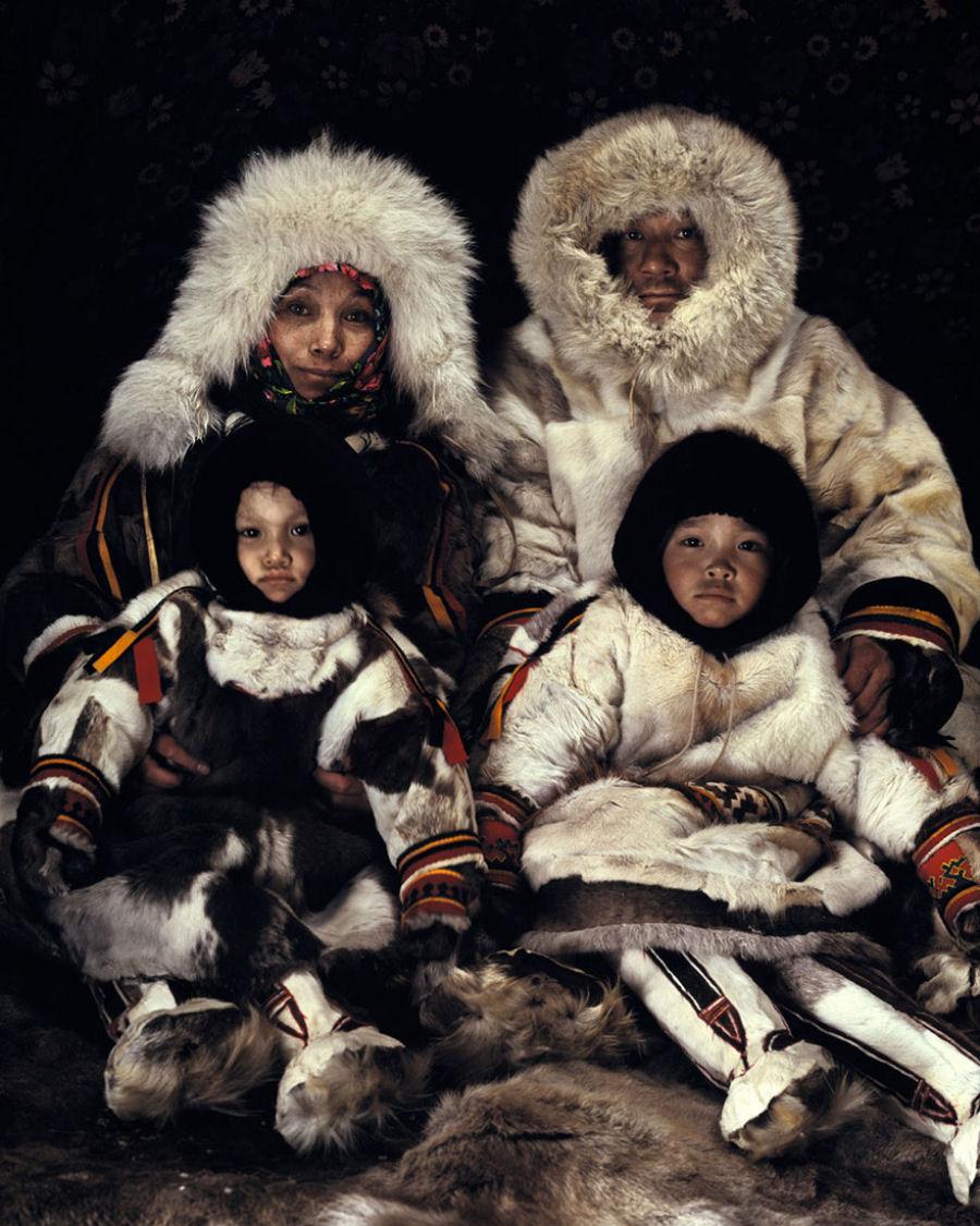 A vida de tribos que estão desaparecendo pelo mundo 46