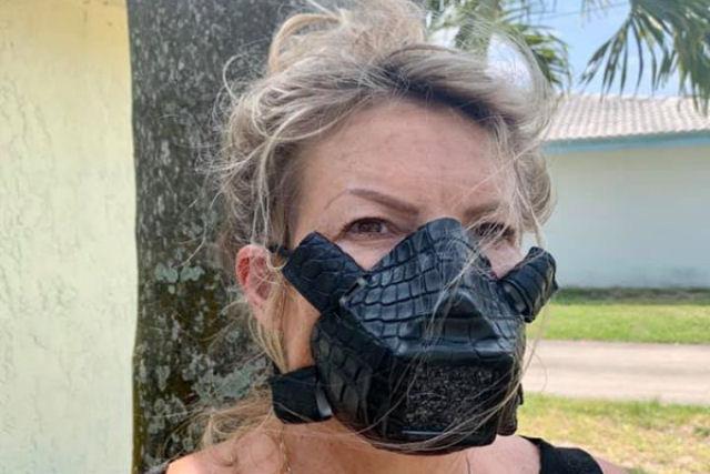 Empresa americana quer vender máscaras faciais feitas com pele de jacaré e cobra