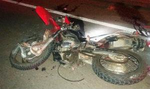Condutor e passageiro da moto faleceram