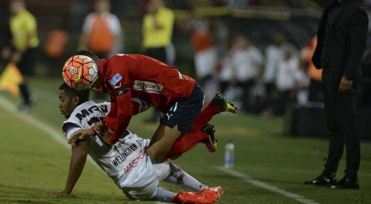 Corais precisam vencer por três gols de diferença para se classificarem. Foto: AFP