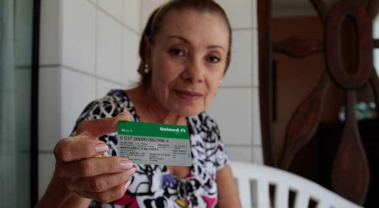 O caso de Dona Mary é semelhante ao de milhares de outros brasileiros que têm acionado o judiciário na tentativa de barrar irregularidades praticadas pelas operadoras (foto: Edmar Melo/JC Imagem)