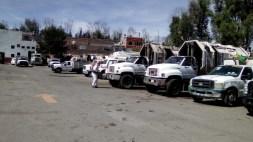 Desinfectan camiones recolectores de basura y patrullas de la Policía de Proximidad