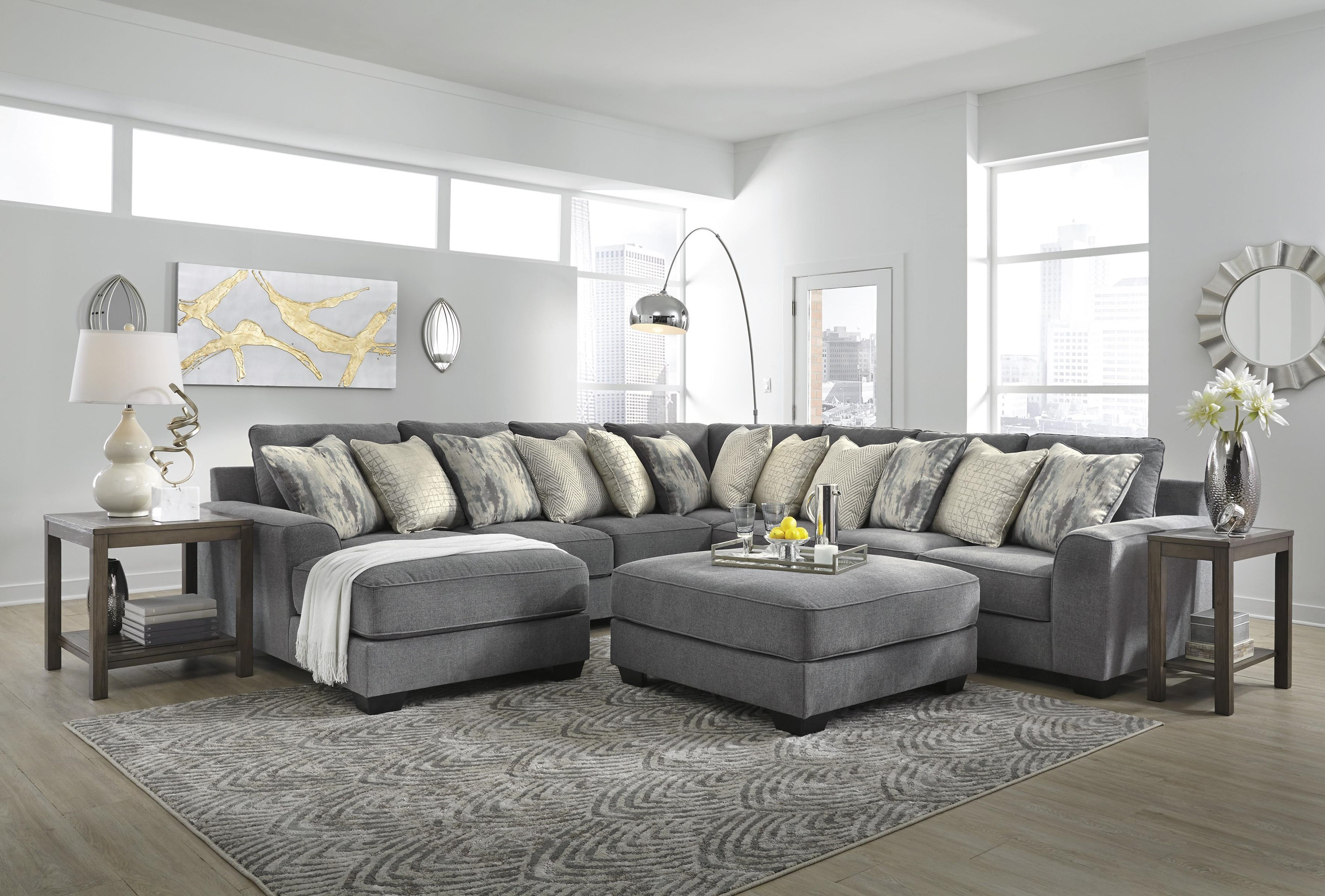 Castano 4 Piece Sectional With Ottoman