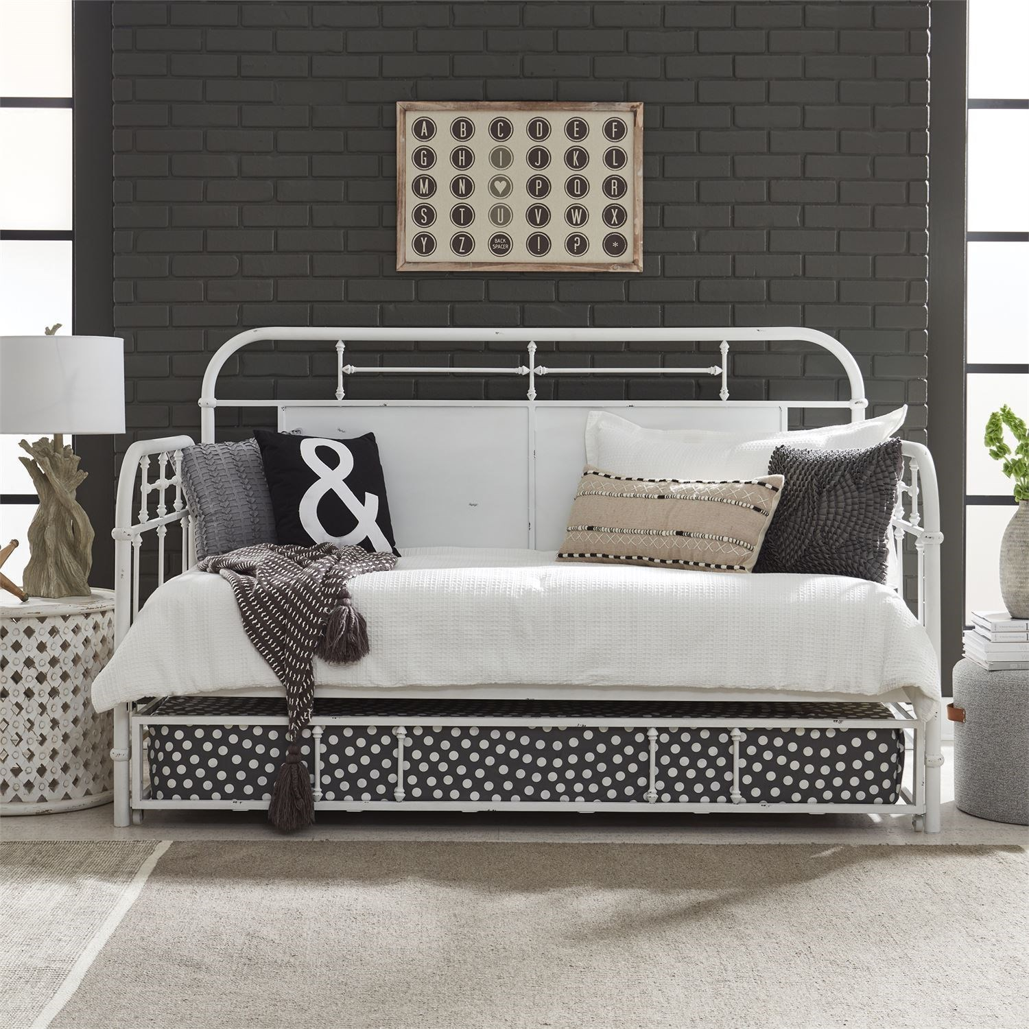 Vintage Series Twin Metal Daybed With Trundle