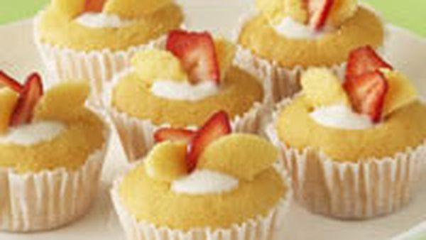 Butterfly Cakes With Strawberry Yogurt 9kitchen