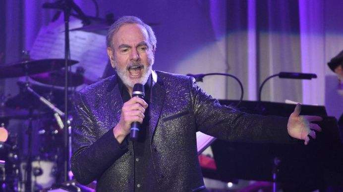 Neil Diamond was set to tour Australia in March and April. (AAP)