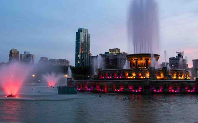 Buckingham Fountain is also great for Chicago Photography Spots
