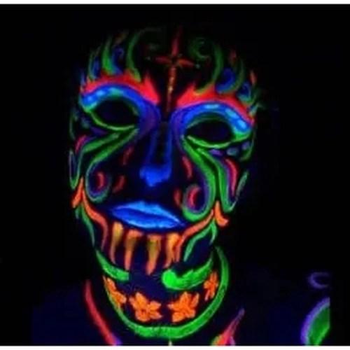 Fotos de Maquiagens Neon que brilha no escuro