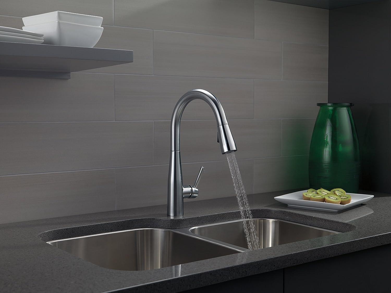menards kitchen sink needs delta 9113 dst essa pull down faucet with magnetic docking spray head 价格报价图片 亚马逊中国 海外购美亚直邮