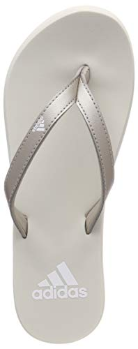 adidas Eezay Flip Flop, Scarpe da Spiaggia e Piscina Donna, Grigio Platinum Met./Ftwr Raw White, 37...