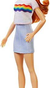 Barbie - Fashionista Muñeca Pelirroja con Camiseta de Arcoiris  (Mattel FXL55)
