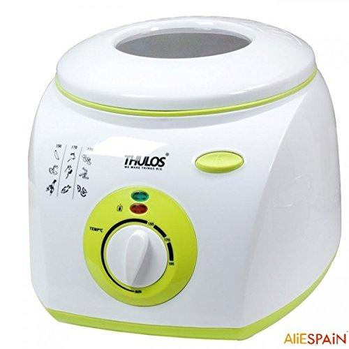 Freidora eléctrica con capacidad para 2 litros de aceite, cuenta con 1300W de potencia, termostato, tapa con ventana para controlar el proceso de fritura. THULOS TH-FR20.