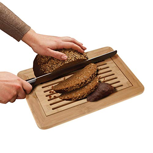 Oramics Brotschneidebrett aus Bambus - 38 x 24 x 2 cm - Schneidebrett mit Krümelfach, Brotbrett mit Herausnehmbaren Krümelgitter, ideales Brett zum Schneiden von Brot