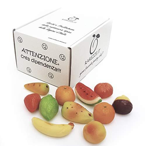 Frutti di pasta di mandorle, martorana o marzapane siciliano, modellati e decorati interamente a mano a mano: vere e proprie sculture da ammirare e gustare!