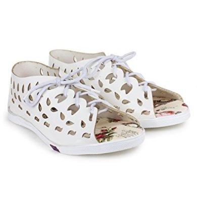 LONDON STEPS Women White Synthetic Flats 6