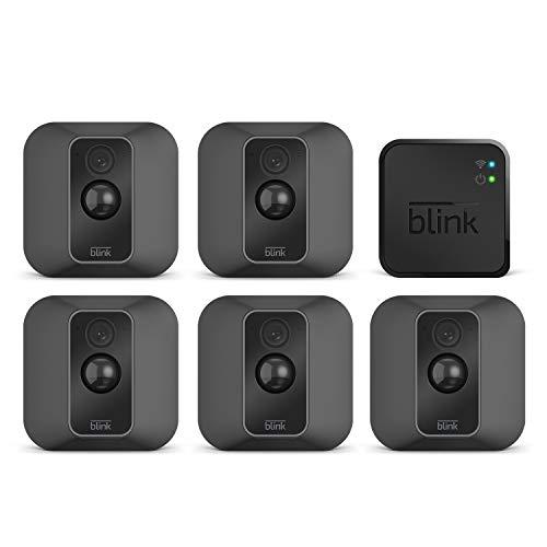 Nuova Blink XT2 | Telecamera di sicurezza per interni/esterni con archiviazione sul cloud, audio bidirezionale, autonomia di 2 anni | Sistema a 5 telecamere
