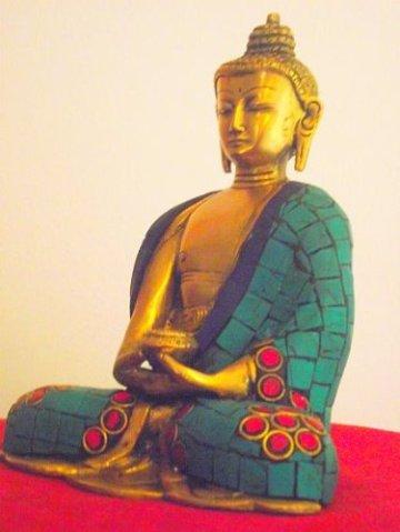 """'Bella latón Buda Dall' India con Gemma intarsiato Robe. Altura 15cm Ancho 12cm; peso 1.145Chili. Questo Buda Mostra la """"Gesto de meditación Mudra con cuenco de arroz-Sold by Spiritual Gifts. solitamente dispathced Entro 2días lavorativi 7"""