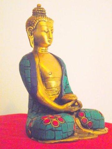"""'Bella latón Buda Dall' India con Gemma intarsiato Robe. Altura 15cm Ancho 12cm; peso 1.145Chili. Questo Buda Mostra la """"Gesto de meditación Mudra con cuenco de arroz-Sold by Spiritual Gifts. solitamente dispathced Entro 2días lavorativi 6"""