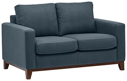 Marchio Amazon -Rivet, divanetto amorino con base esposta in legno, modello North End, larghezza 150 cm, denim