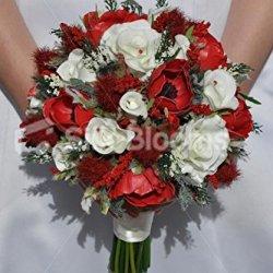floristikvergleich.de Silk Blooms Ltd Ruby Rot Schottische Distel & Weiß Roses Anemones Braut Hochzeit Bouquet
