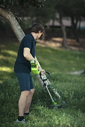 The Greenworks 40v Cordless String Trimmer is a lightweight yet powerful gardening tool suitable for medium to large sized gardens. The major selling point of this cordless strimmer is its pivoting head and included 2 batteries for longer strimming time. It can be adjusted to different angles to suit your cutting trimming needs, making it perfect for lawn edging as well as reaching those hidden areas under trees and bushes.