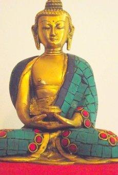 """'Bella latón Buda Dall' India con Gemma intarsiato Robe. Altura 15cm Ancho 12cm; peso 1.145Chili. Questo Buda Mostra la """"Gesto de meditación Mudra con cuenco de arroz–Sold by Spiritual Gifts. solitamente dispathced Entro 2días lavorativi"""