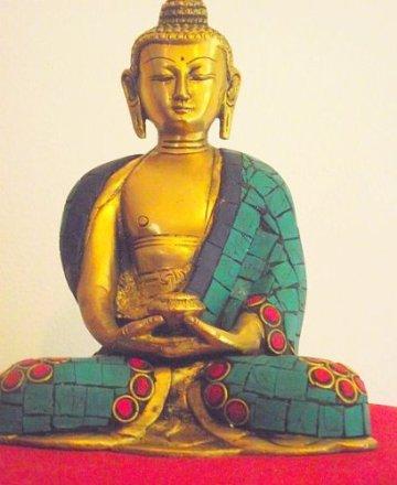"""'Bella latón Buda Dall' India con Gemma intarsiato Robe. Altura 15cm Ancho 12cm; peso 1.145Chili. Questo Buda Mostra la """"Gesto de meditación Mudra con cuenco de arroz-Sold by Spiritual Gifts. solitamente dispathced Entro 2días lavorativi 3"""