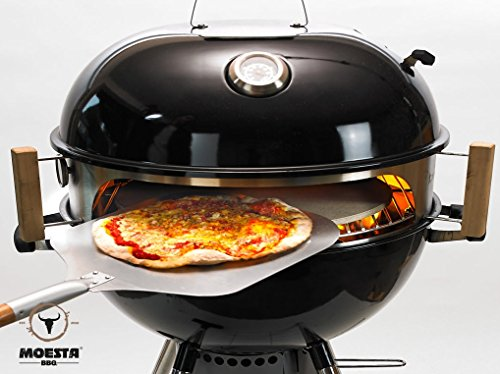 Never made pizza in your life? No problem. If you have a kettle then this pizza set will be a great way to start. It make a delicious 9-inch pizza in a matter of minutes. An integrated thermometer will help you gauge the temperature of the food inside without having to lift the lid. This one is a doo value for on-the-go cooking.