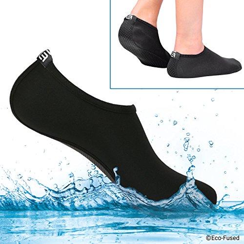 Calzini Acquatici Donna - Extra Comfort - Protegge da Sabbia, Acqua Fredda/Calda, UV, Rocce/Ciottoli - Calzature Easy Fit per Nuoto, Beach Volley, Snorkeling, Vela, Surf, ECC. (Nero, (M) 39-41)